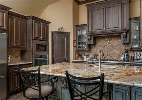 How To Distress Kitchen Cabinets How To Distress Oak Kitchen Cabinets The Clayton Design Best Distressed White Kitchen Cabinets