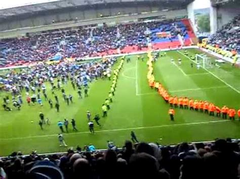 wigan athletic  west ham pitch invasion  youtube
