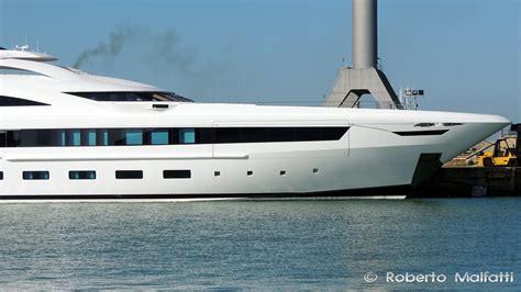 yacht yalla layout superyacht yalla photo by roberto malfatti yacht