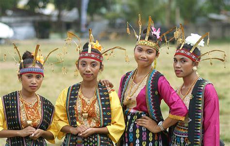 Baju Adat Ende Flores pakaian adat ntt jenis jenis gambar dan penjelasannya adat tradisional