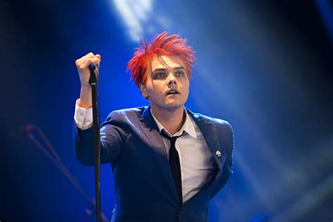 Gerard Way Hesitant why didnt i about gerard way sooner by taste for
