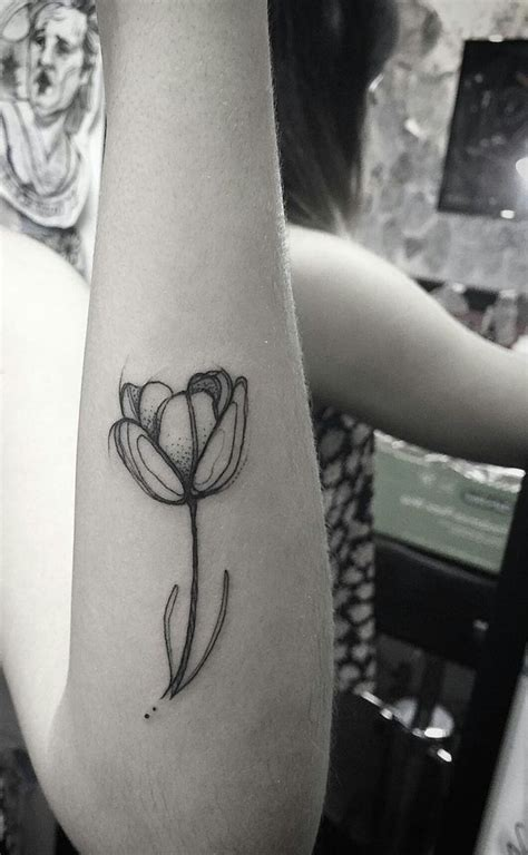 clever tattoos best 25 tulip ideas on small