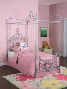 Princess Bed Canopy Princess Canopy Bed Bedroom Furniture By Powell