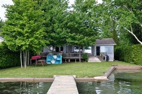 Lake Simcoe Cottage Rental by Cottage 905 For Rent On Lake Simcoe Near Orillia In