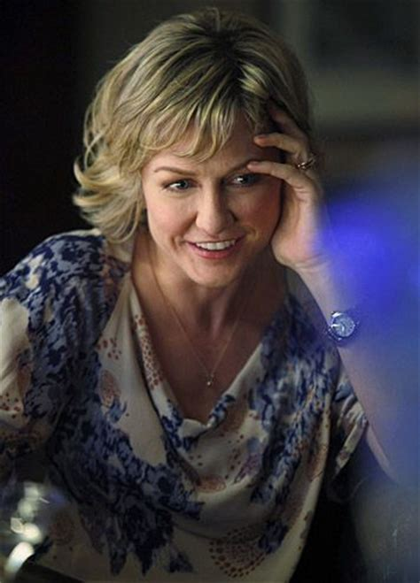 pictures of amy carlson hairstyle blue bloods