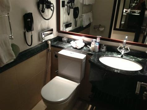 magnet and southern bathrooms lobby picture of swissotel makkah mecca tripadvisor