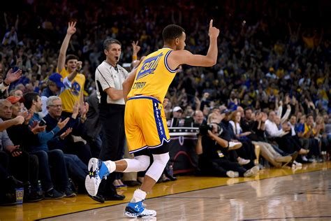 stephen curry led golden state warriors earn best start in