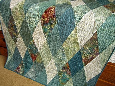 Handmade Quilts - patchwork mountain handmade quilts table runners table