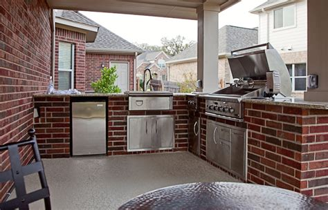 brick outdoor kitchen outdoor kitchens spindler construction austin texas