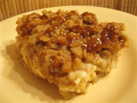 caramel apple cheesecake bars with streusel topping file caramel apple cheesecake bars with streusel topping jpg wikimedia commons