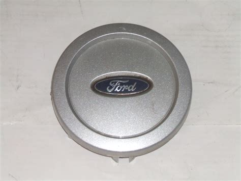 ford expedition    wheel center cap  pn laba