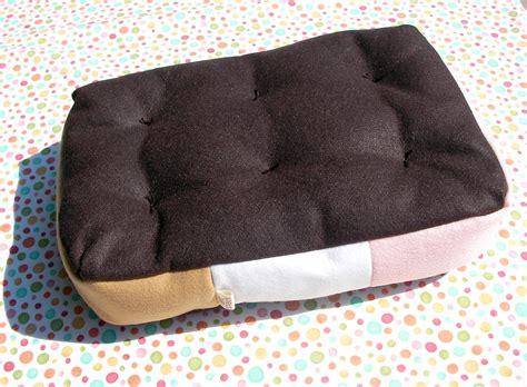 sandwich bench cheap bed on sandwiches plush