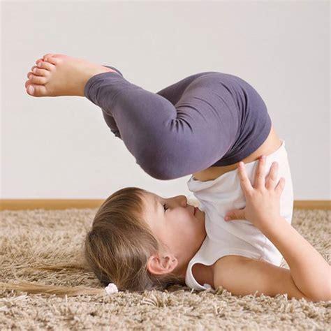 imagenes de yoga acrobatico yoga para ni 241 os beneficios ejercicios y m 225 s relajemos com