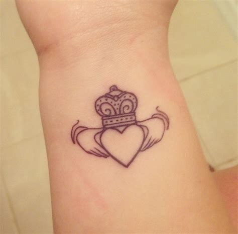 596 best tattoos pictures images on pinterest tattoo best 25 claddagh ring tattoo ideas on pinterest irish