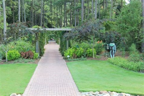 Cape Fear Botanical Gardens Lovely Farm House Picture Of Cape Fear Botanical Garden Fayetteville Tripadvisor