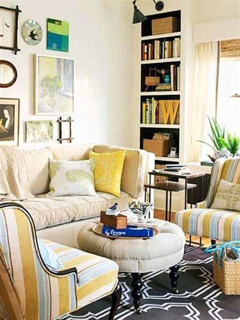 small  super cozy living room designs