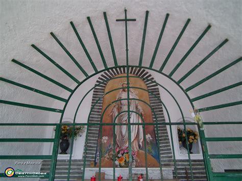l interno della monte san martino 1080 m e corna di medale 1029 m