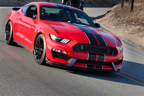 ford gt350 2016 ford mustang shelby gt350 drive news cars