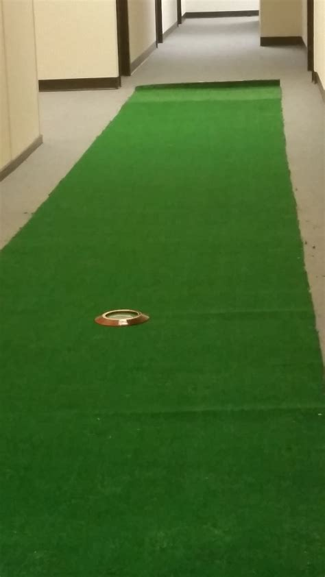 how to build an indoor putting green