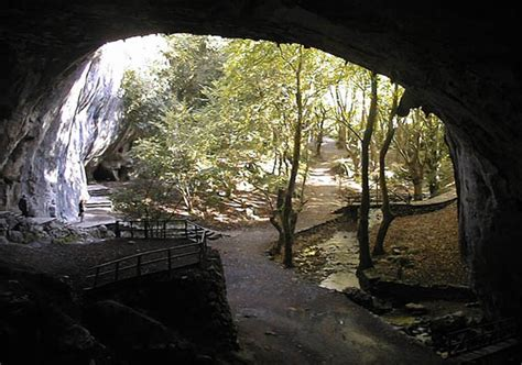 grotte de la chambre d amour grottes de sare grottes de zugarramurdi