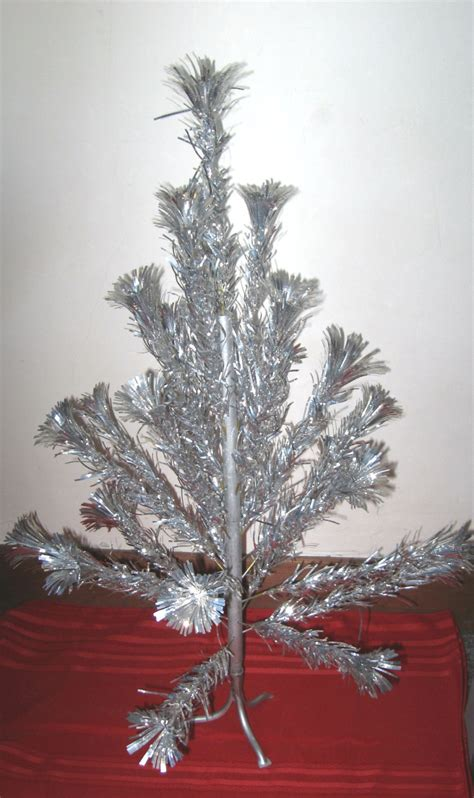 vintage pom pom silver aluminum christmas tree tabletop 3 feet