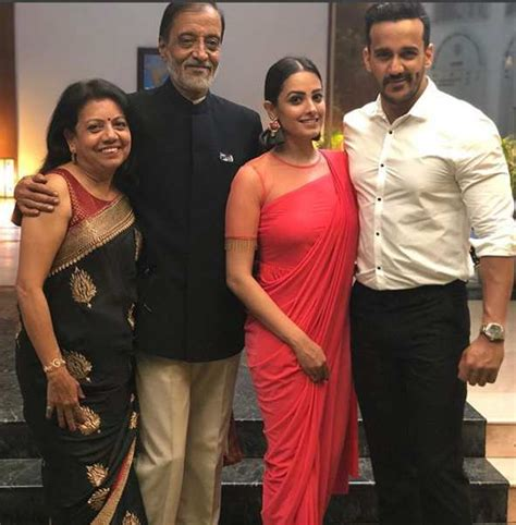 Family Syal Colour rohit reddy age height marriage images biography and more biographia