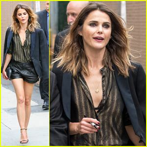 keri russell jimmy kimmel keri russell gets tested about her the americans murders