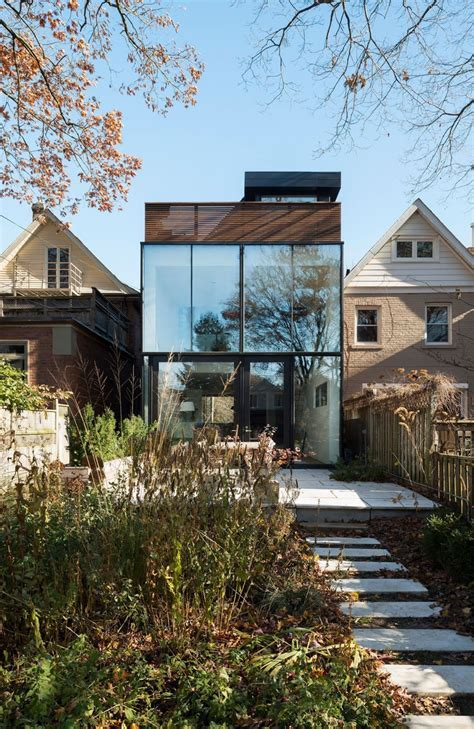 Compatible Old & New Design Shaping 1930s House