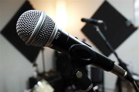 Microphone Samson R21s using dynamic microphones for recording vocals zzounds