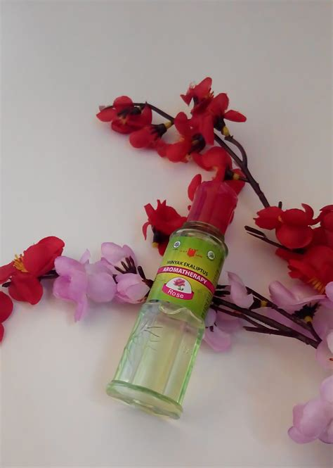 Minyak Kayu Putih Aromatherapy kehangatan dan aroma menjadi satu dalam sentuhan minyak