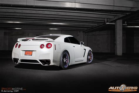 nissan gtr matte white matte pearl white and rainbow sparkle gtr