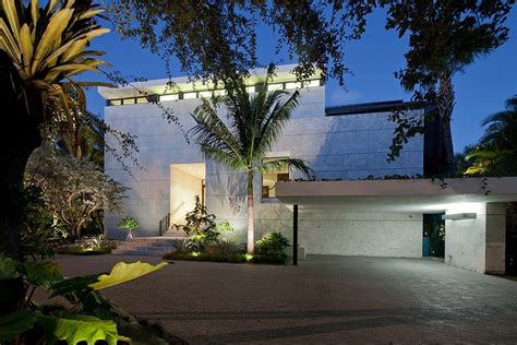 home design center coral gables ravishing luxury home in coral gables overlooking the biscayne bay freshome com