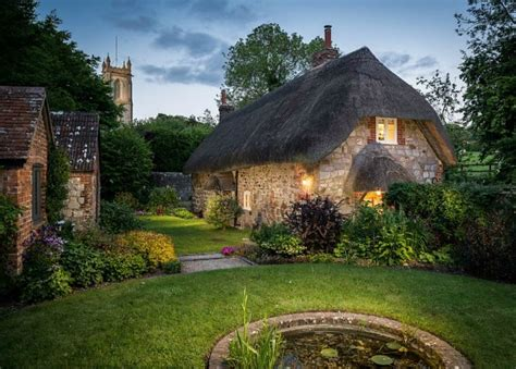 faerie door cottage in wiltshire