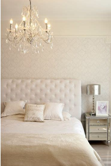 chandelier in bedroom best 25 bedroom chandeliers ideas on pinterest