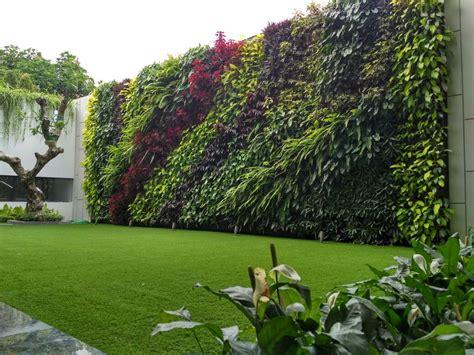 jasa pembuatan taman lanscape taman vertical 089636060199
