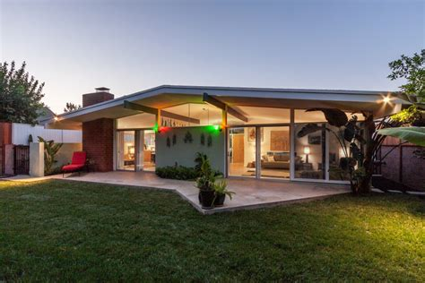 mid century modern architecture real estate sunset