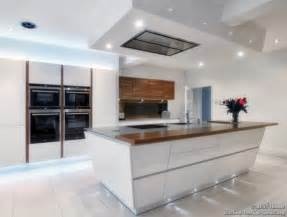 the top five cooker hood trends for 2013 and beyond