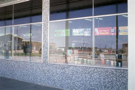 store windows woomera photos by don gray