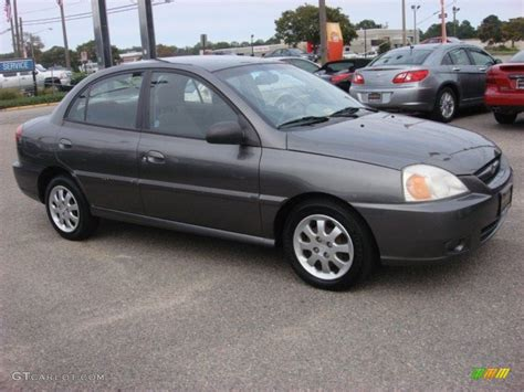 Kia 2004 Sedan Pewter Gray 2004 Kia Sedan Exterior Photo 53640838