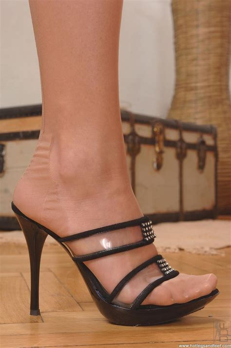 stockings und high heels 295 best mules images on pinterest tights nylon