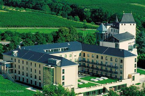 Scheune Schloss Berg by Zum Winzer G 252 Nther Jauch Das Neue Weinschmecker