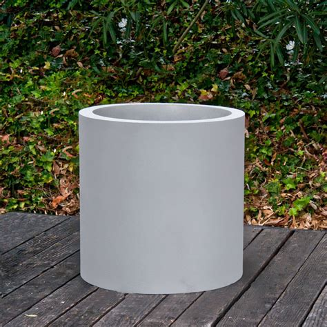 Large Fiberglass Planters by Best Way To Use Large Fiberglass Planters Front Yard