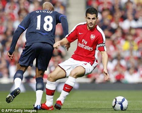 Raidraptor Arsenal Falcon Dble Upr cesc fabregas shuns barcelona questions as guardiola lines up raid for arsenal and