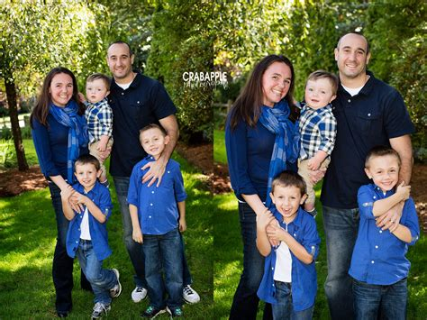 clothing themes for family pictures outdoor fall family photo clothing ideas 6 tips
