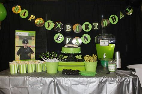 xbox 360 themed birthday party xbox 360 birthday party table love the green punch gamer