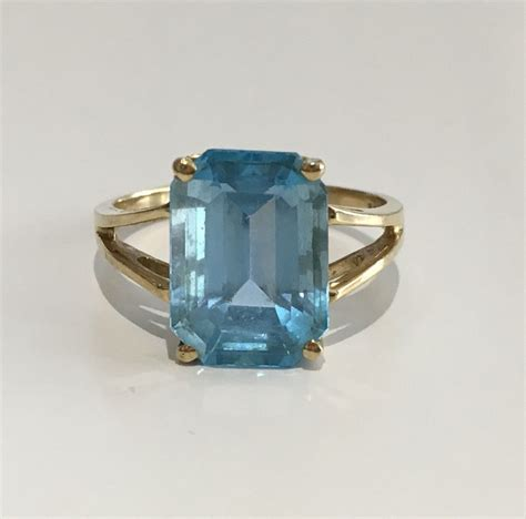 Is This Really A Gold Topaz by 10k Yellow Gold Blue Topaz Ring Size 10 Ebay