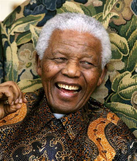 biography of nelson mandela of south africa nelson mandela 1918 2013 inspiring personalities