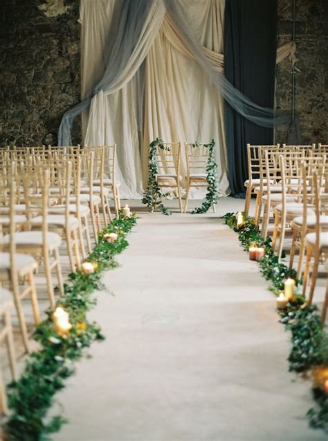 Wedding Aisle Runner Ideas by 25 Best Ideas About Wedding Aisle Runners On