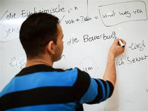 Bewerbung Studentische Hilfskraft Foto Schallstadt Bz Umfrage Fl 252 Chtlinge Mit Sprachkenntnissen Haben Auch Chancen Auf Einen