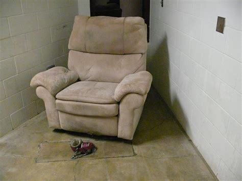 Comfortable Chairs For Tv by Guantanamo S C 5 Closes As Detainee Population Shrinks